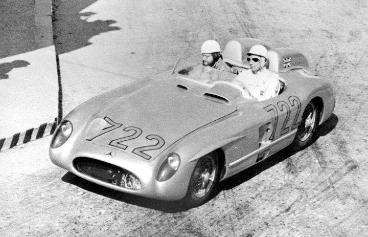 Stirling-Moss-Mercedes-300-SLR-at-Mille-Miglia