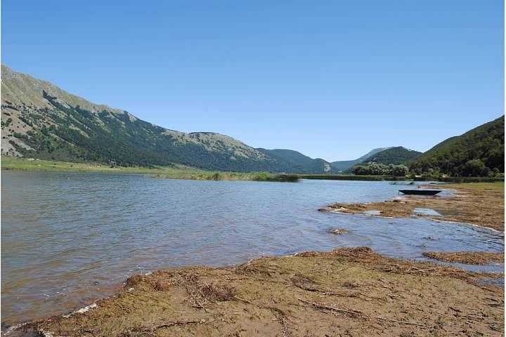 The muddy shore of Lago Matese
